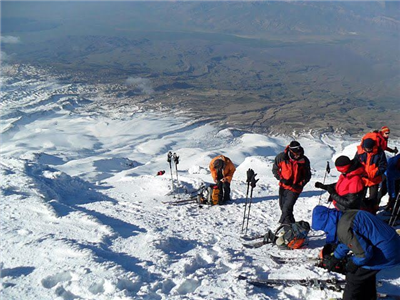 Ski touring Ararat and Suphan
